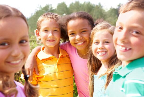 Alimentos saludables y dientes de los niños